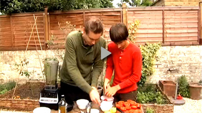 Jónsi & Alex Recipe Show - Raw Vegan Lasagne